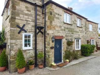 AMBERLEY COTTAGE, woodburning stove, enclosed garden, close to town's amenities
