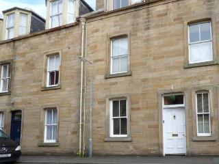 3 QUEEN MARYS BUILDINGS, ground floor apartment, open plan living area, parking, shared green, in Jedburgh, Ref 905736