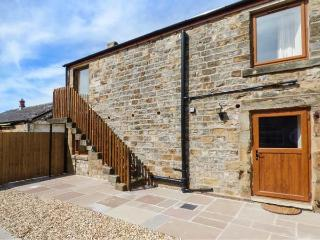 THE FURROWS, upside down cottage, private patio, WiFi, open plan, Garstang, Ref