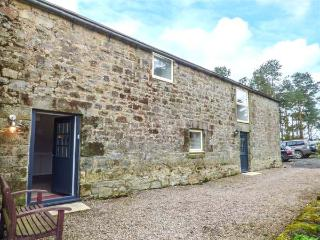 MILL HOUSE, barn conversion, pool table, pet-friendly, Lowick, Ref 917752