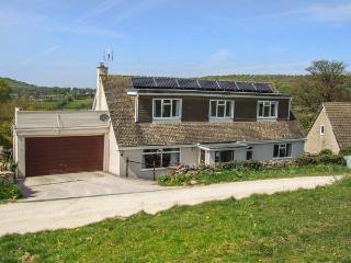 WINDYCOT, pet-friendly, off road parking, WiFi, lots of walking available, in Gloucester, Ref 931524