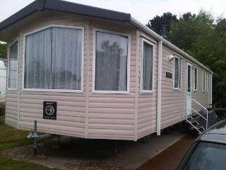 Luxury 3 bedroom caravan, Minster on Sea