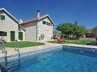 4 bedroom Villa in Imotski, Central Dalmatia, Croatia : ref 2088374, Donji Prolozac