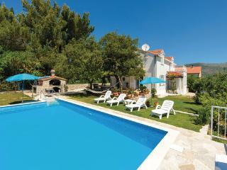 Villa in Dubrovnik-Mocici, South Dalmatia, Dubrovnik, Croatia, Cavtat