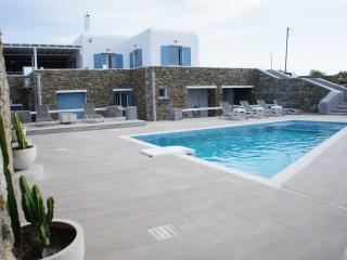 6 Bdr. Villa in Super Paradise, Paradise Beach