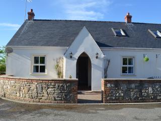 Stunning 3-bed cottage with garden,5 mins to beach, Jameston