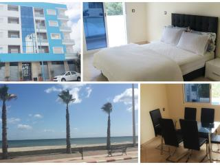 Modern 3 bedroom New apartment 5 min walk to beach