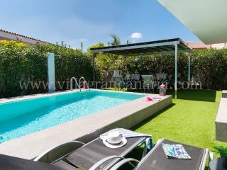 Beach House with private pool in San Agustin ET2