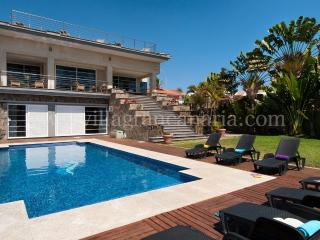 Superb Villa in SONNENLAND for 12 pers