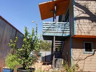 East 2nd Guest House, Austin