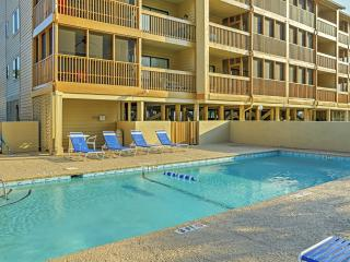 3BR North Myrtle Beach Condo w/Pool Access!
