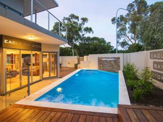 Eagle Bay Villa - Luxurious Beachside Retreat, Cape Naturaliste