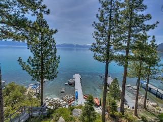 Large home with private dock, hot tub, great outdoor space - right on the lake - Meeks Bay Getaway, Tahoma