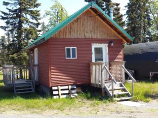 Cute little bungalo cabin close to great fishing, Kasilof