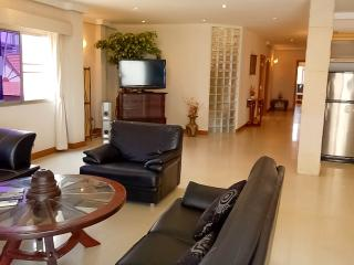 Spacey Luxury Condo 3 Bdr @ Beach, Jomtien Beach