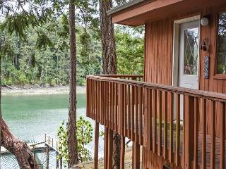 Great Waterfront Home on Neil Bay near Roche Harbor with Private Dock!