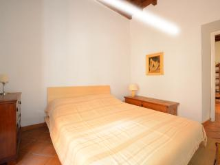 Banchi Vecchi apartment, Rome
