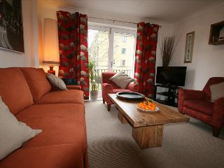 Highbury - great secure location, easy access to City and West End, London