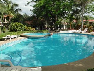 Jade Residence, Playas del Coco