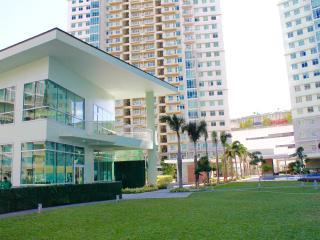 Centrally located 3 br in Bonifacio Global City