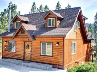 Large Luxurious Eagle Point Cabin, Big Bear Lake