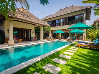 4 Bedroom Villa Intan - Central Seminyak