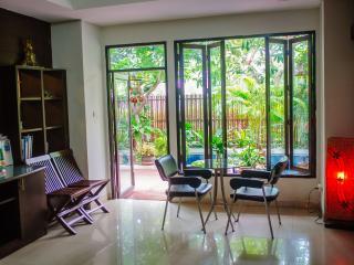 2 bedrooms aparment rental - Sukhumvit 71, Bangkok