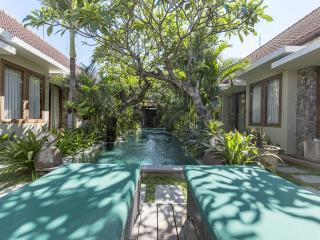 Uma Karan - Chic. Affordable. Friendly., Seminyak