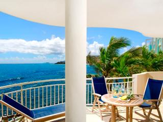 Resort Access, Short Walk to Beach & Restaurants, Ideal for Couples & Families, Philipsburg