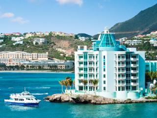 LIGHTHOUSE 3B...Stunning Views, Luxury Oceanfront Condo, Walk To beach
