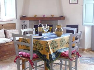 Capitorio, kitchen corner  living room