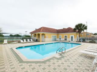 STEPS FROM PVT ENTRY BEACH/2BR/2BA updated, Destin