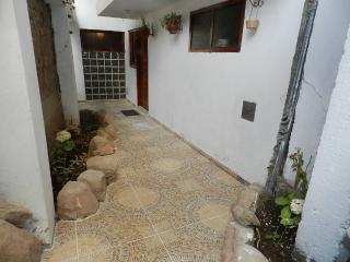 main entrance to the recidencias    Ingreso