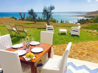CAMELIA 2BR-terrace&beach by KlabHouse