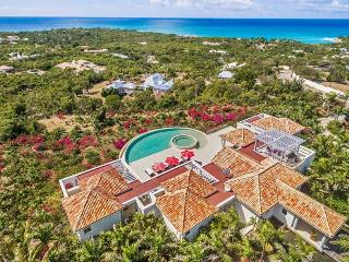 JUST IN PARADISE... fabulous new luxury villa in prestigious Terres Basses