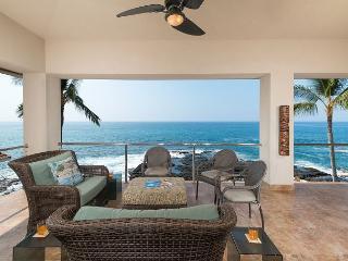 Stunning Ocean Front Home - Hale Moana Kona. Close to Town., Kailua-Kona