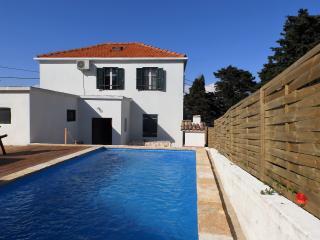 Romantic holiday home Monic with swimming pool, Dugi Island