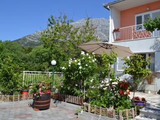 Charming Flower Garden Apt for 5 - Orebić, Orebic