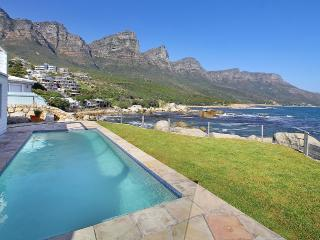 Unique, Majestic, Charming Oceanfront Villa, Camps Bay