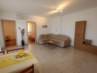 Holiday home 132353 - Holiday apartment 168405