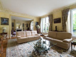onefinestay - Avenue du Président Wilson private home, Paris