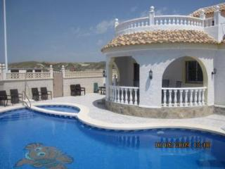 Villa Zaar with private pool, slide and dive board