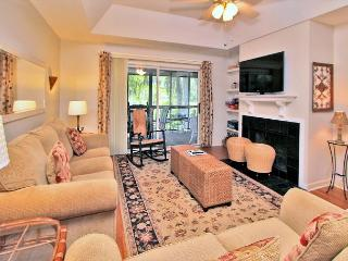 17 Kingston Cove-Charming beach cottage & renovated! 5 Min Bike Ride to beach, Hilton Head