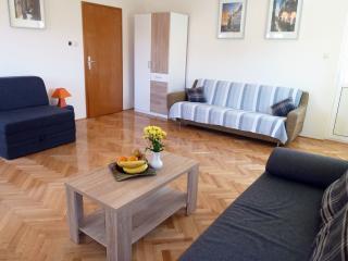 2bedroom apartment Ivica near Trogir town center