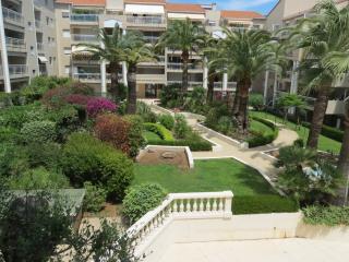 CANNES Studio terrasse et piscine, Cannes
