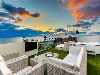 Expansive White Water Views of Pacific Ocean and Windansea Beach, La Jolla