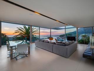 008 Bond Villa, Camps Bay