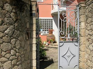 Luxurious Villa & studio near the sea and center, Calamata