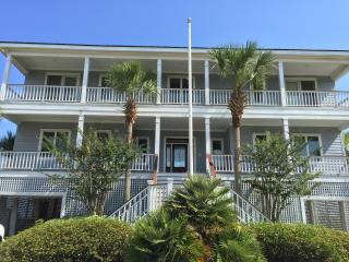 Huge, 5 Bdr, 5.5 Ba, Oceanfront w/New Pool & Spa!, Isle of Palms