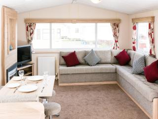 Caravans to hire 6 or 8 Berth on Golden Gate, Towyn